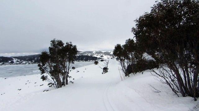"""Falls-creek 2015, vue en descendant du haut plateau sur la piste """"Birkebeiner"""""""