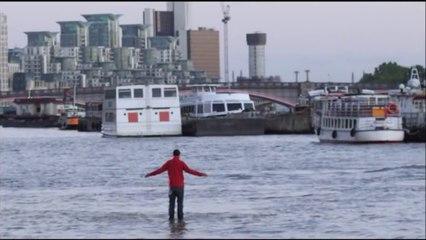 Magician Walks On Water - Amazing