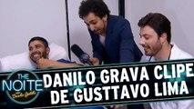 Murilo Couto acompanha gravação do clipe de Gusttavo Lima, com Danilo Gentili