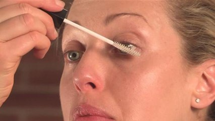 How To Apply Clear Mascara