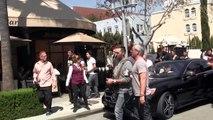 Pregnant Kim Kardashian Mobbed By Eager Paparazzi Photographers