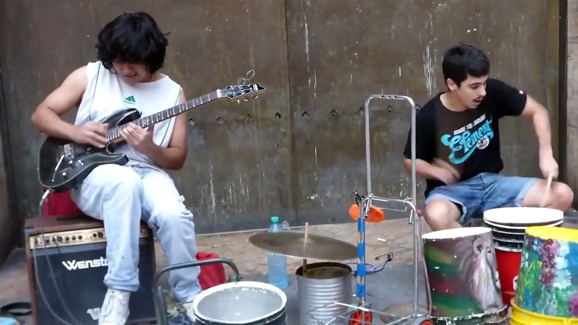 Street Musicians Cover Dire Straits'