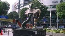 Artworks & Sculptures Display by Opera Gallery / Gallerie Bartoux @ Singapore ION Orchard