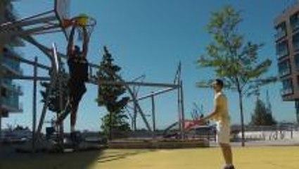 Tennis meets Basketball