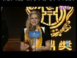 Avril Lavigne girlfriend/here's to never growing up 2013 live 10th huading awards