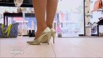 Nicole, fan de ses chaussures et de ses pieds
