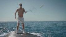 Faire du tennis sur le dos d'une baleine - Pub Old Spice hilarante