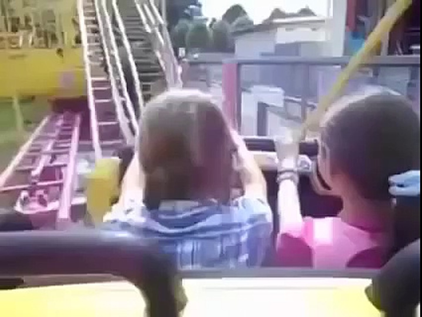 Funny Video - Bosnian guy with kids on roller coaster