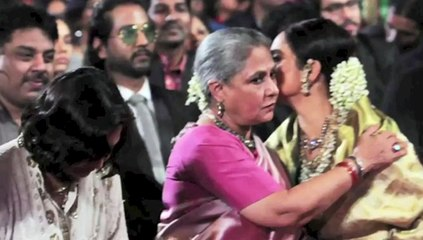 Finally Rekha and Jaya Bachchan Makeup at Stardust awards 2015
