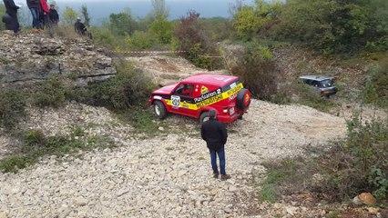 Franchissement 4x4 Mitsubishi Pajero Monique Chaverot Trial amateur Montalieu 20151010_161936[1]