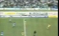 Seulement Diego Armando Maradona est capable de marquer buts