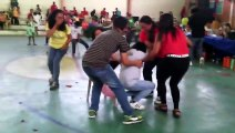 Filipina Women playing balloon popping game, HAHAHA! - Pinoy very funny video