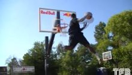 Who Has The Better Windmill Dunk?