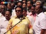 Samy Vellu at Batu Caves temple protest