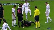 Blaise Matuidi Gets Injured Real Madrid 1-0 PSG Champions League 3.11.2015 HD