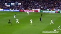 Edinson Cavani EPIC Miss - Real Madrid v. Paris Saint Germain 03.11.2015 HD