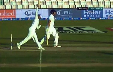 watch Shoaib Malik in his Last test Gets Another Wicket With a fantastic Delivery
