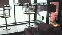 FULL: Thief Trying to Steal iPad From Pizza Joint | Thief Loses Tug of War With iPad