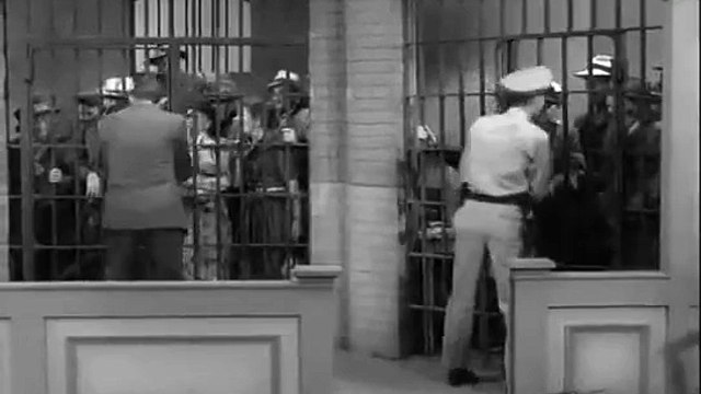 The Andy Griffith Show S01E20 Andy saves Barneys Morale