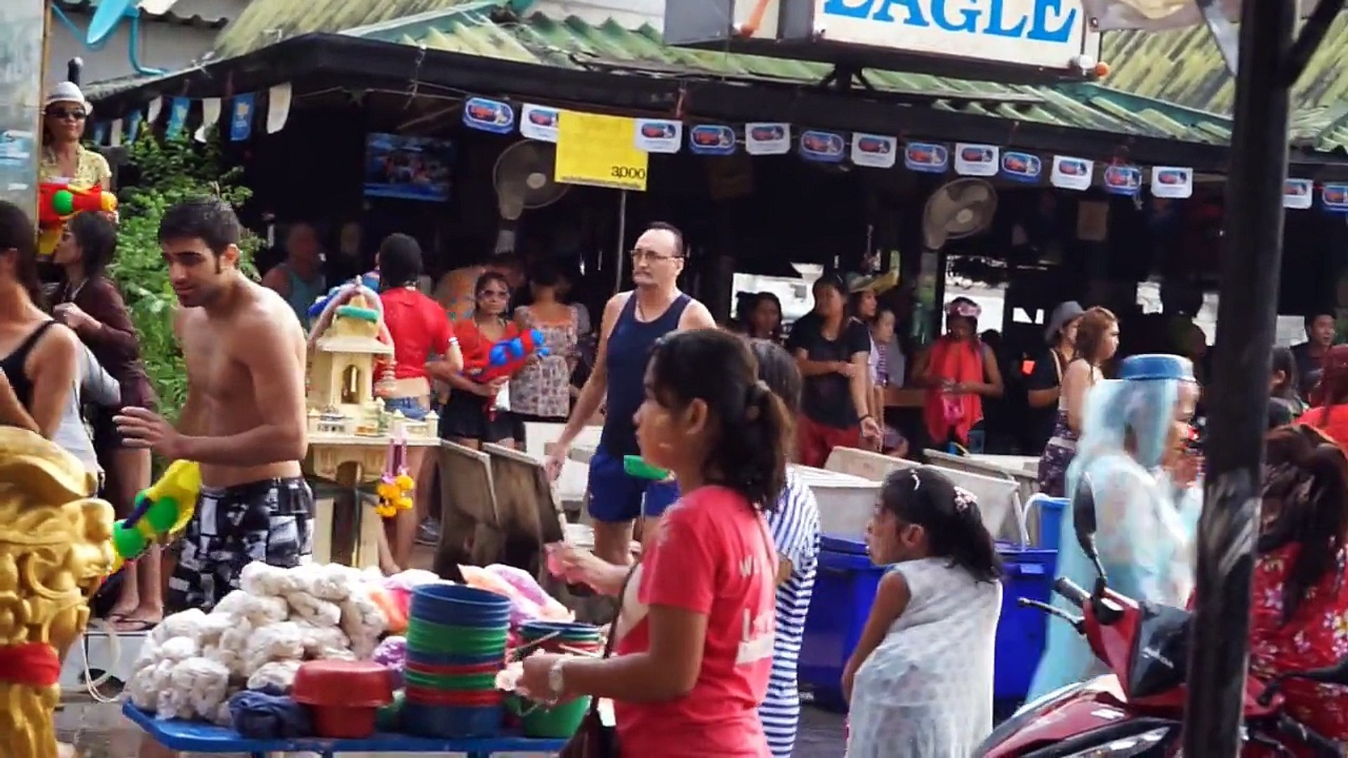Pattaya Beach Road Girls - Songkran