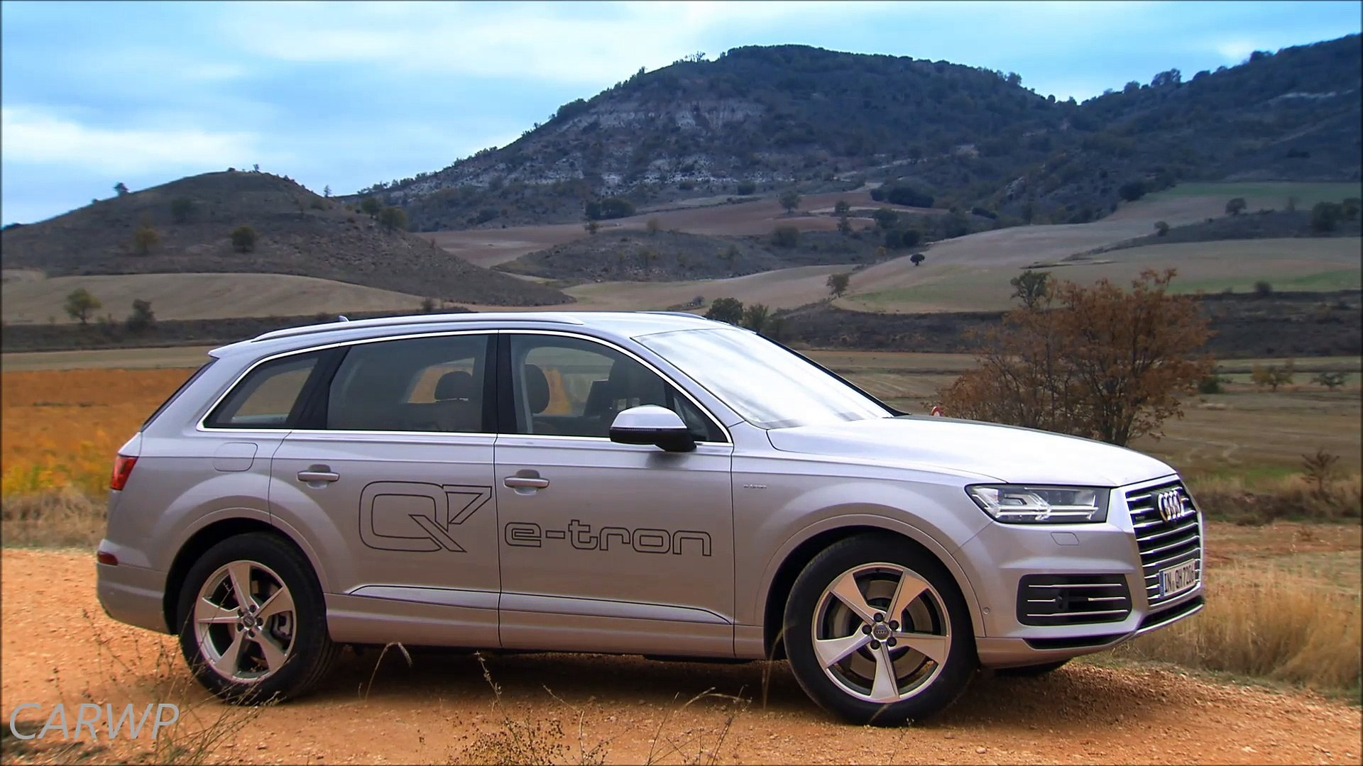 DESIGN Audi Q7 E-Tron Plug-in Hybrid 2015 4x4 aro 19 TDI 373 cv 71,4 mkgf 225 kmh 0-100 kmh 6 s 58,8