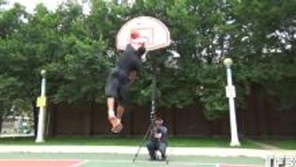 Who EASTBAY dunked better?