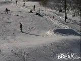 Régis fait du snowboard