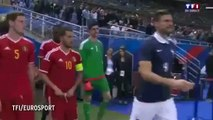 Olivier Giroud Has a Moan.Eden Hazard and Thibaut Courtois Laugh at him