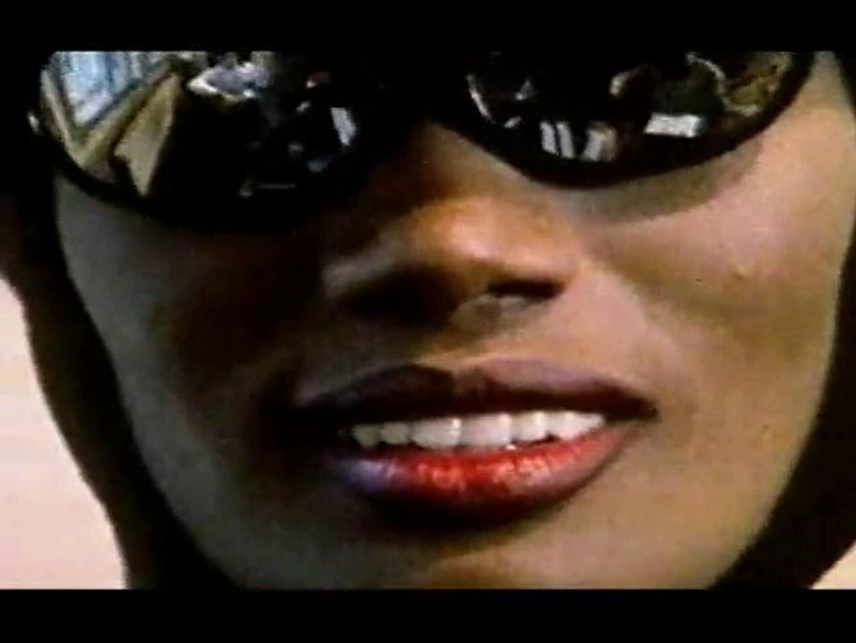 8 Sec Sexy Grace Jones Her Most Erotic Smile