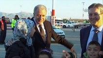 Tsipras, EU officials attend first refugee relocation from Greece