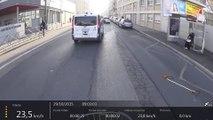 Un chauffard essaie d'écraser un cycliste à Lyon... Dingue!