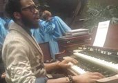 Organ Player Delivers Passionate Performance at Chicago Church