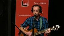 """""""Des petits cui-cui pour des gros con-con"""" : la chanson de Frédéric Fromet"""