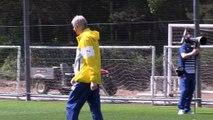 Arsenal - Pirès voit bien Henry ou Viera succéder à Wenger