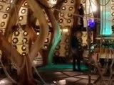 Doctor Who 2005 Saison 1 Episode 01 en Français VF