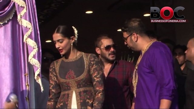 Salman Khan And Sonam Kapoor Arrive In Style Watch Video To Know More