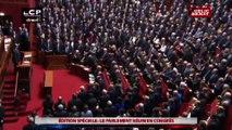 Debout après le discours de François Hollande, le Congrès entonne la Marseille