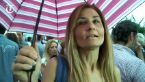 Tausende trotzen Regen für Griechenland ja Kundgebung in Athen