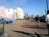 عاجل الشرطة الفرنسية تطلق عشرات القنابل المسيلة للدموع على المسلمين لحظة خروجهم من المسجد