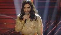 Conchita Wurst - Valerio Scanu canta 'Rise like a Phoenix' - Tale e Quale Show 06-11-2015