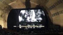 Adele estrena 'Water under a bridge' durante un concierto