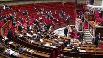 """Attentats: Manuel Valls avertit du """"risque d'armes chimiques et bactériologiques"""""""