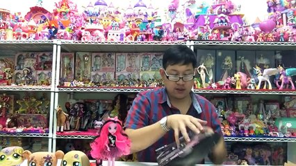 PONYTHSHOP Live EP.1 review Monster high Viperine Pinkie pie boutique