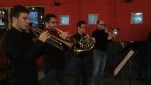 "Attentats de Paris: Des musiciens nantais reprennent ""Hymn to peace"" de Moondog"