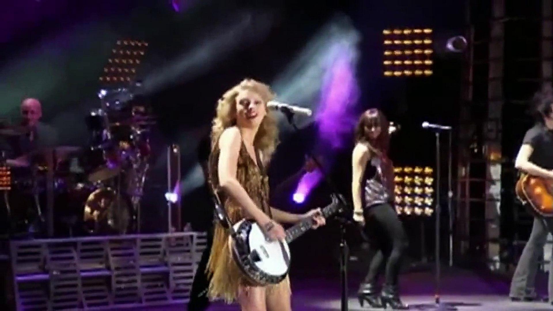Taylor Swift - Taylor & Liz - Mean