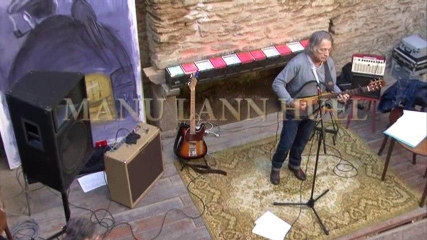 """Manu Lann Huel chante """"Groix de bois Groix de fer"""""""