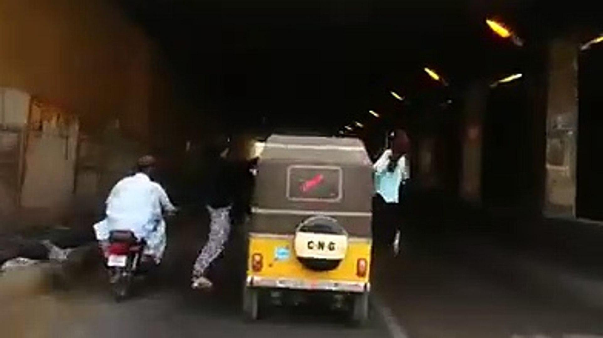 Clifton Karachi Pagal Sexy Girls Viral HD Video | Clifton Karachi Girls Sexy Video