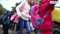 Gata cu mersul pe jos la școală! Microbuze şcolare din România pentru elevii din Moldova. Guvernul României a donat Republicii Moldova 100 de microbuze şcolare destinate gimnaziilor şi liceelor din ţară.