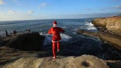 Christmas Cliff Jumping & Parkour