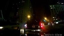 Un menteur calmé par une dashcam pendant un conflit après un accrochage en voiture